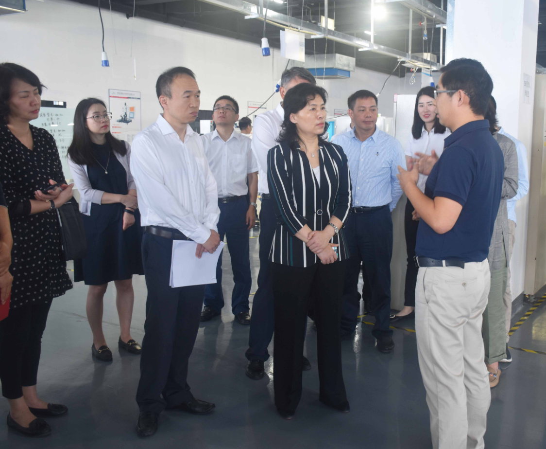 The Mayor of Baoan District of Shenzhen City visited Weichai Semiconductor